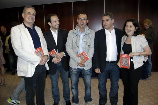 Miquel Ramis, Gabriel Torrens, Biel Barceló, Juan Mestre y Fina Santiago.
