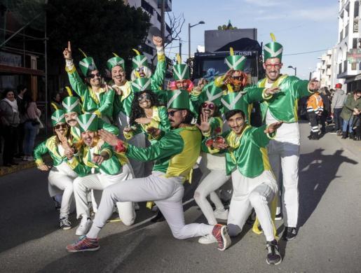 Un grupo participante en la Rúa de Carnaval del año pasado en Santa Eulària.