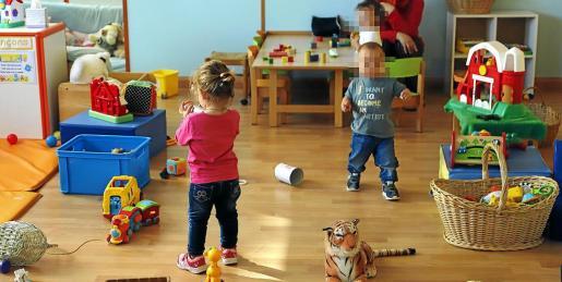 Interior de un centro infantil en Menorca, donde es mayor la oposición al decreto del Govern.