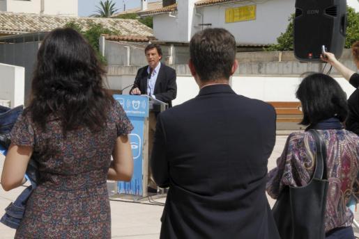 Mateu Isern, durante un acto electoral esta mañana.