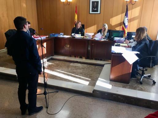 Imagen del jucio por amenazas a un testigo protegido del caso Cursach,