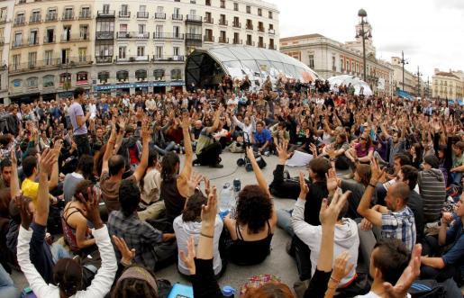Momento de la asamblea celebrada en la Puerta del Sol de Madrid.