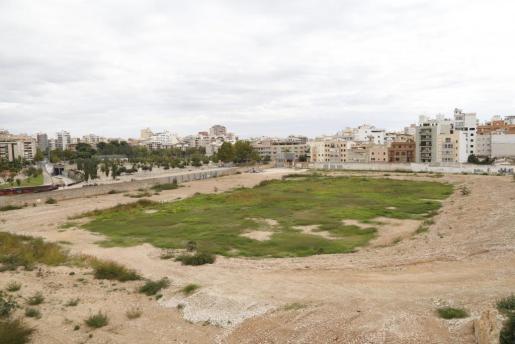 Imagen del solar donde anteriormente estaba ubicado el estadio Lluís Stijar. Por ahora seguirá siendo un solar sin ninguna utilidad.