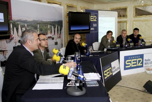Imagen de un debate radiofónico en el que participaron los principales candidatos al Govern, a excepción de Bauzá.