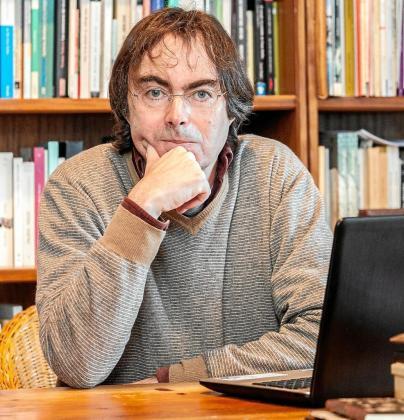 Vicente Valero: «Me halaga que en el mundo de la literatura me consideren un 'outsider'»