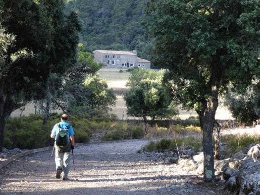 Casas de Binifaldó, refugios en el paraje natural de la Serra de Tramuntana.
