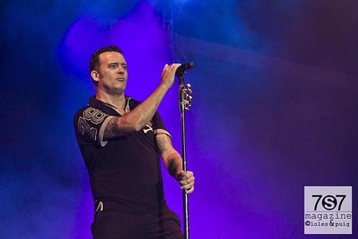 José Manuel Casañ, durante un concierto.