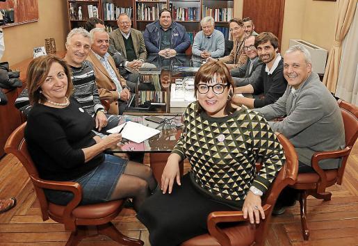 Imagen de la reunión mantenida por las instituciones con la Balear.