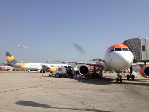 Imagen de archivo de aviones en Son Sant Joan.