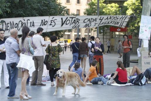 Imagen de ayer de la protestas en la plaza de España.