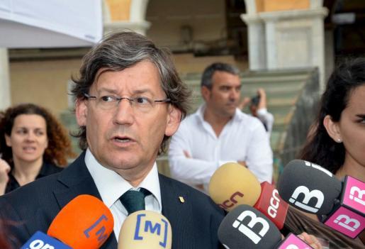 El conseller de Salut en funciones, Vicenç Thomàs, hoy en el 'Día sin tabaco'.
