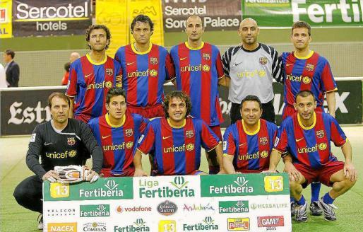 Imagen de la formación del equipo indoor de veteranos del FC Barcelona.