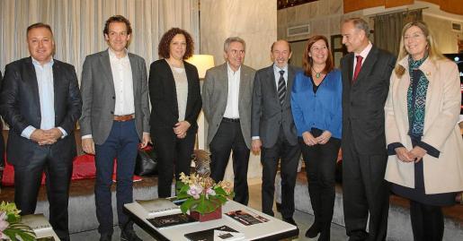 Joan Mesquida, Marc Pons, Catalina Cladera, José Maria Vicens, Alfredo Pérez Rubalcaba, Francina Armengol, Andreu Rotger y Patricia Gómez.