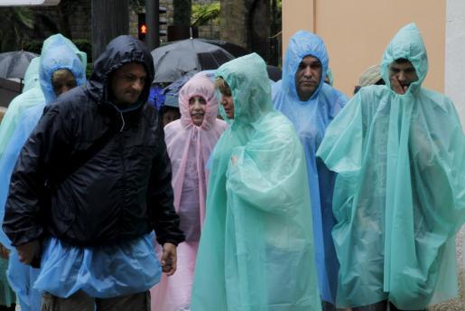 Turistas paseando por las calles de Palma la semana pasada.