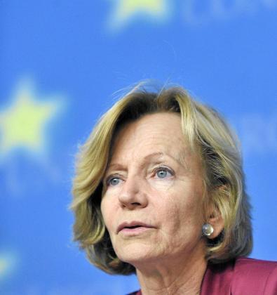 Elena Salgado fue tajante con la Comisión Europea: «Esa recomendación no la vamos a seguir en el corto plazo».