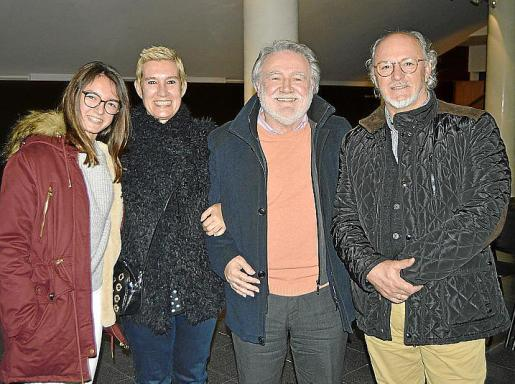Carla Mayol, Eva Caldentey, Tomeu Matamalas y Carlos Mayol.