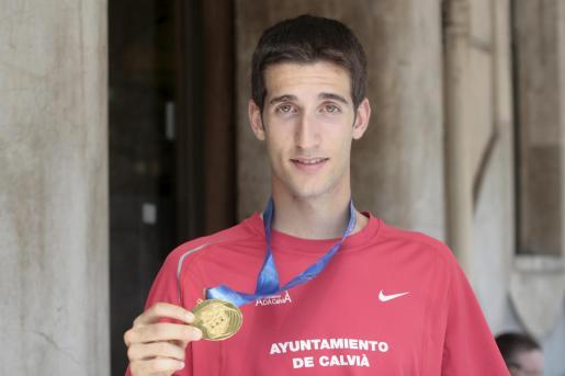 David Bustos, atleta juvenil medalla de oro de medio fondo en los europeos.
