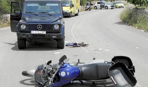 La moto y el vehículo colisionaron a la salida de una curva, en la vía Santanyí-Cala Llombards.