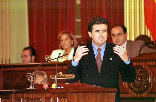 La primera vez que Matas se sometió a una investidura en 1996 no había pasado por las urnas.