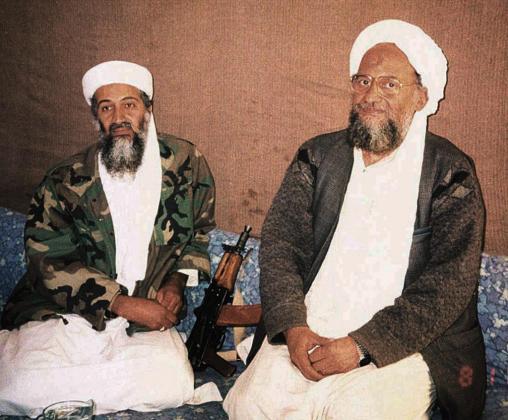 Osama bin Laden con Ayman al-Zawahiri.