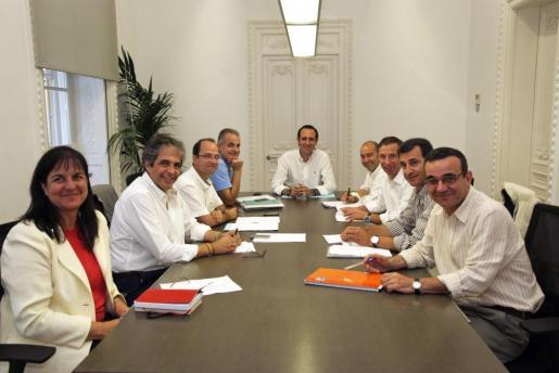 José Ramón Bauzá junto a sus consellers.