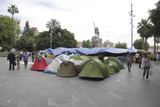 Las tiendas de la Plaza de España podrían desaparecer antes del fin de semana.