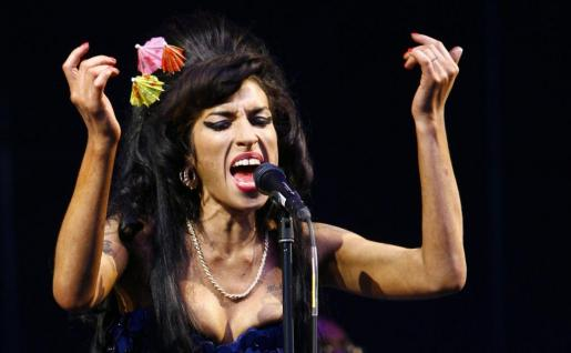 La cantante británica ha suspendido su gira europea tras una desastrosa actuación en Hungría.