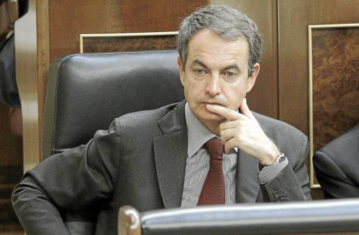 Zapatero, durante la sesión de control de ayer.