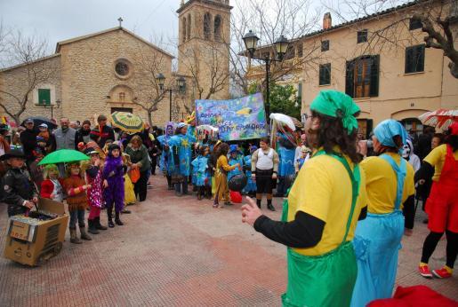 Niños y mayores lucieron sus mejores disfraces el domingo en Andratx y s'Arracó.