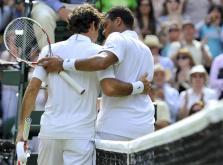 Jo-Wilfried Tsonga y Roger Federer