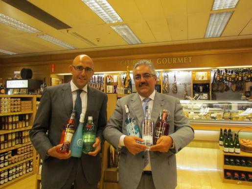 Antonio Sánchez (izda.), responsable de Relaciones Externas de El Corte Inglés, y Luis Molina, quien dirige el Club del Gourmet.