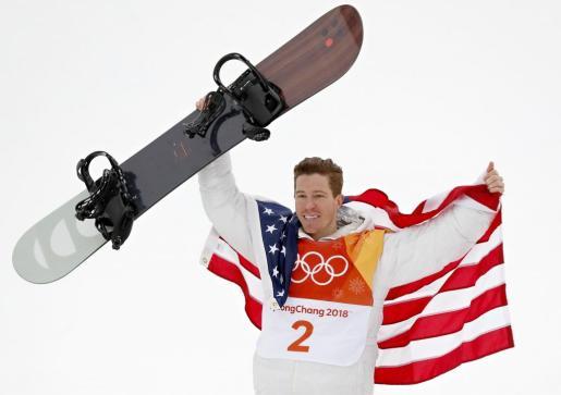 White celebra su éxito en los Juegos invernales de Pyeongchang.