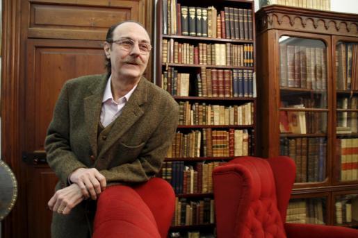 Manuel Ripoll (Palma, 1945) es un singular bibliófilo y anticuario.