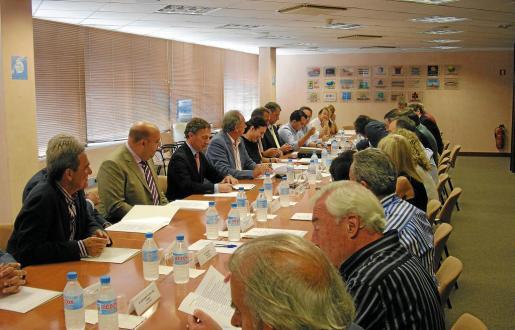 La asamblea de la Federación Hotelera de Mallorca recibió ayer a Carlos Delgado.