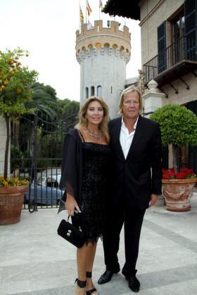 Norma Duval junto a su pareja, Mathias Khun, en Mallorca.