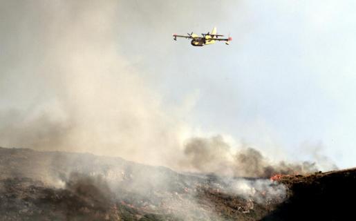 Imagen tomada a última hora de la tarde de ayer del incendio declarado en Artà.