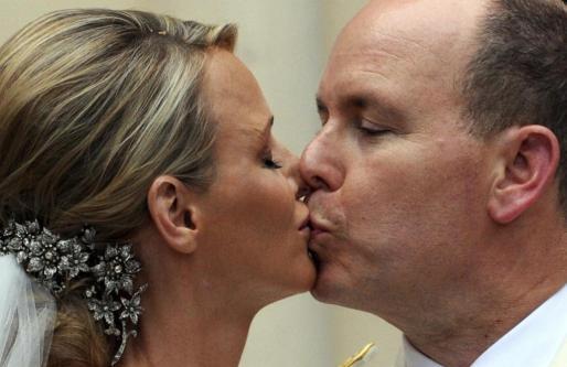 Alberto y Charlene, convertidos en marido y mujer.
