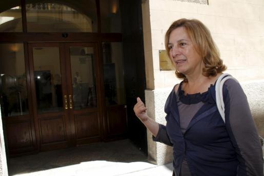 Margarita Nájera, a su llegada hoy a la Conselleria de Turisme.
