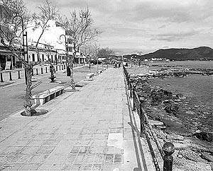 La fisonomía de Cala Bona cambiará radicalmente con el proyecto iniciado por el Govern.Foto: A. BASSA