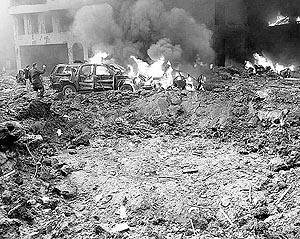 Decenas de heridos sufrieron el atentado, así como el centro de Beirut, que quedó literalmente destrozado.