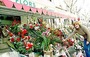 Los enamorados aprovechan este día para regalarse flores.