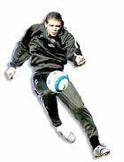 Melo.El jugador brasileño Felipe Melo podría tener unos minutos ante el Albacete. En la imagen, el mediocampista salta a por un balón en un reciente entrenamiento en Son Bibiloni.
