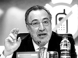 Pere Navarro, nuevo director general de Tráfico, presentó ayer la campaña.