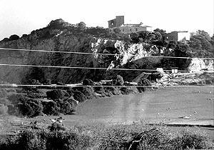 En la imagen, vista general donde pueden apreciarse las casas de la finca junto a la cantera que explota Hijos de Miguel Mascaró SA. Foto:M.PUIGRÃ'S