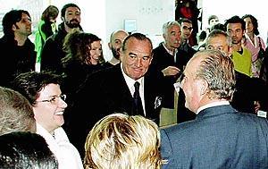 El Rey saludó durante la inauguración a la alcaldesa de Palma, Catalina Cirer.