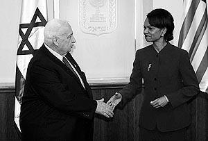 Condoleezza Rice, durante la entrevista que mantuvo ayer con Ariel Sharón.