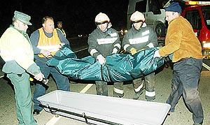 Los equipos de emergencias retiraron los restos mortales del motorista de Llucmajor.