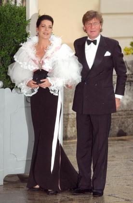 Foto de archivo de la princesa Carolina de Mónaco y su marido el príncipe Ernesto de Hannover.