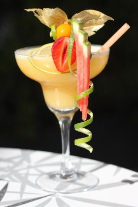 Este es el apetitoso aspecto del cóctel Dominique.