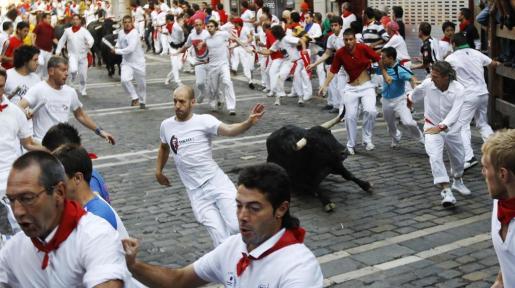 La sexta jornada de los encierros de San Fermín se ha saldado con un balance de dos heridos por asta y cinco con traumatismos de diversa consideración.